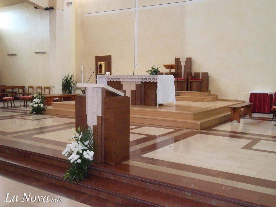 Presbiterio moderno arredamento sacro per chiese la nova for News arredamento