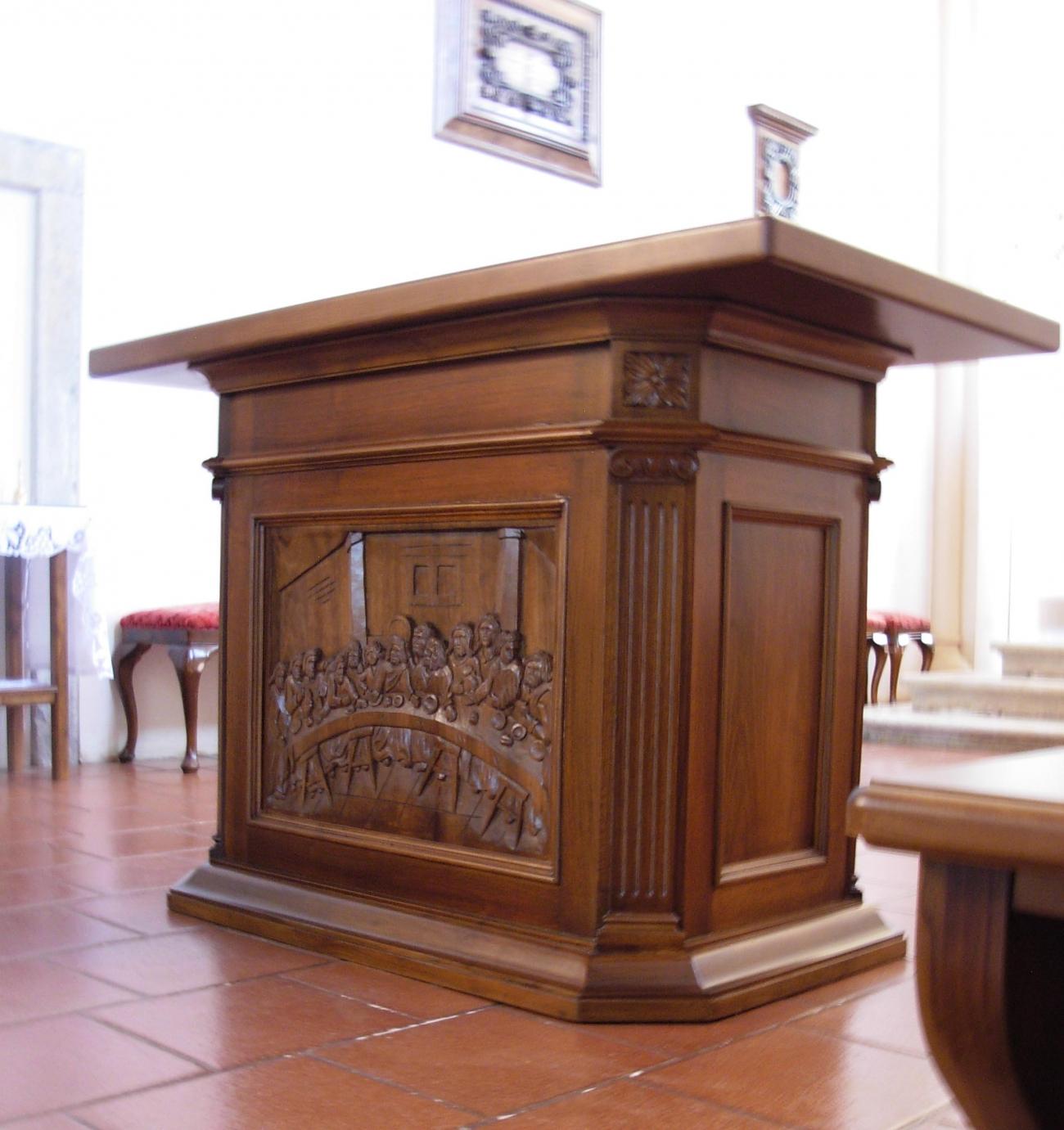 Presbiterio classico b presbiterio per chiesa in stile for B b arredi