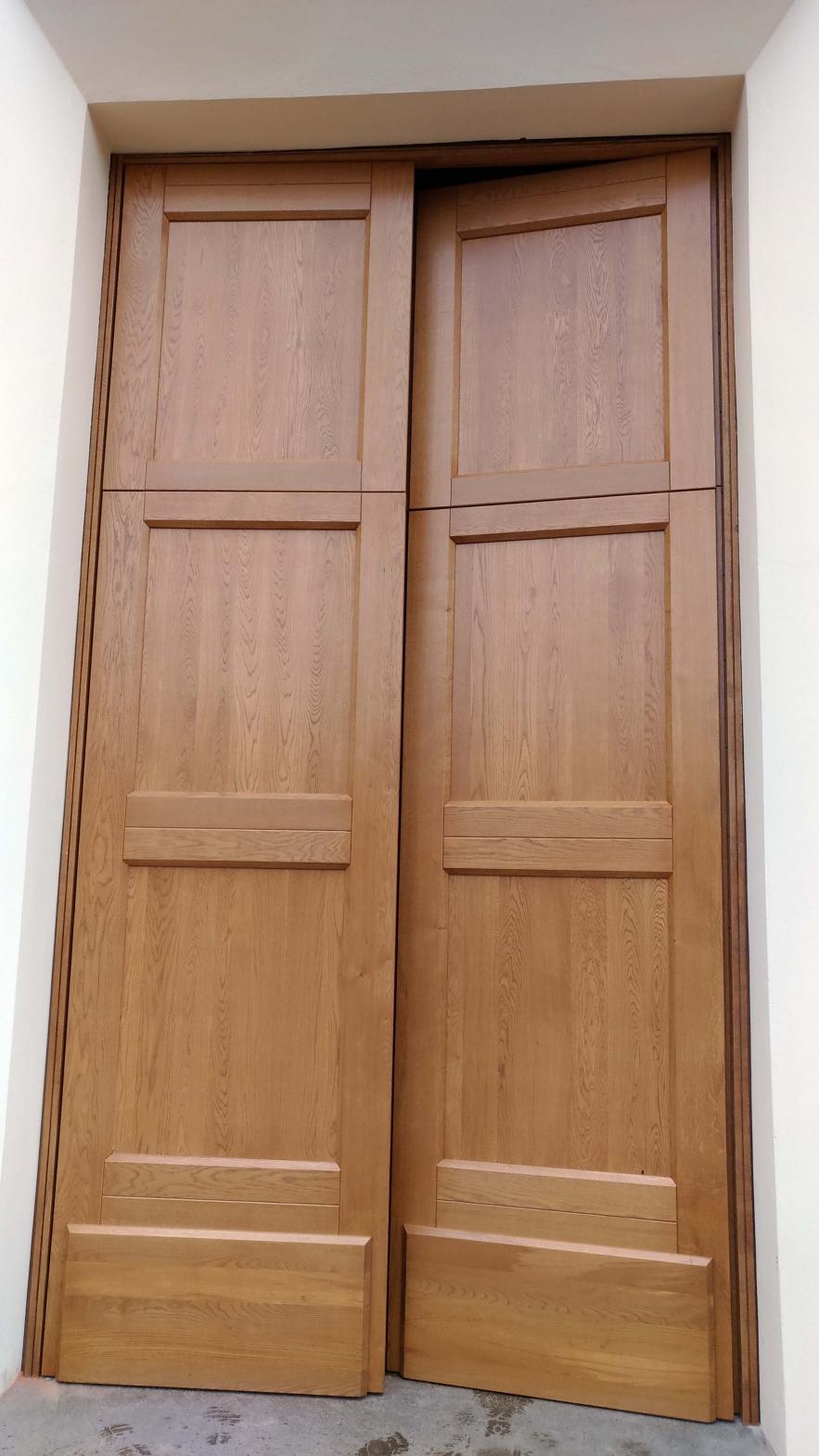 Portone esterno porte e bussole per chiesa in stile for Portale arredamento